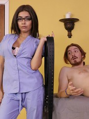 Masseuse Aaliyah Hadid ties up her client and jerks off his cock