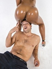 Black MILF Megan Vaughn drives a guy crazy with her oiled up booty