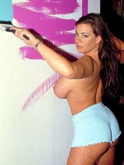 Solo model Linsey Dawn McKenzie decides to get naked while painting a wall