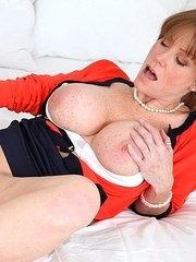 Stepmom Darla Crane cleans stepdaughter Riley Reids asshole with her tongue