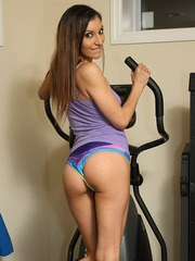 Amateur chick Moka Mora tires of working out and toys her twat instead