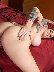 Tattooed redhead Tana Lea has her vagina licked out before a hard fuck