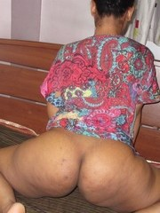 Indian female flaunts her big ass before showing her naked pussy