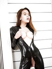 Kinky Asian shemale Anna is looking for a submissive man to dominate