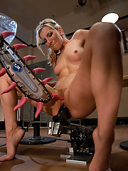 Blond working out - sweats fucks machine squirts on her legs mechanical tongues lick