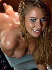 Brynn Tyler machine fucked to oblivion in her ass and pussy but a fast pounding custom