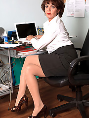 women-office-sex