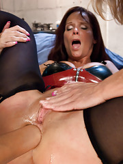 Latex women anal fisting stretching and enemas!
