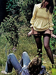 These young lovers like to have countryside outdoor sex fun