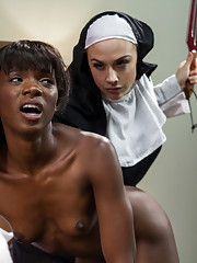 Slutty black lesbian gets her tight cunt pleasured with a big dildo