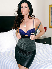 Gorgeous babe India Summer decides to fuck her boyfriends son and ride his thick