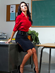 Gorgeous teacher Jessica Jaymes loves to have hot sex with her students.
