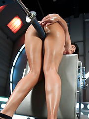 MILFY HOTTNESS -India Summer takes the machines shoves them! She dont work for her