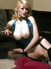 A true dare devil from the seventies with a full nude pussy