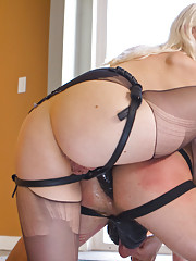 Lucky slave boy wins fantasy hour with Goddess Lorelei Lee and gets more than he
