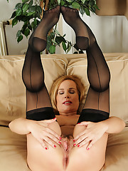 47 year old Viky from AllOver30 loving her black stockings and lace