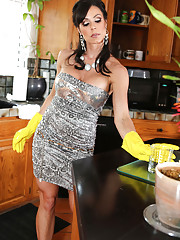 Kendra not only has household skills she and her lithe body can get into some great
