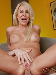 Ralph is such a hottie and has a gorgeous cock. He came to see The Girlfriend ANAL