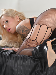 Well boys what do you think of these sexy pantyhose? Do they Nina Elle in Dildo Fucking