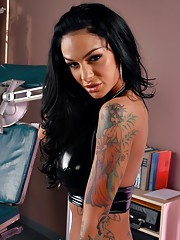 Angelina has some pussy problems and thats why she is at the Angelina Valentine My