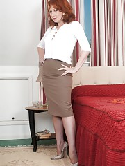 Busty milf Red in coffee vintage nylons and tight pencil skirt!