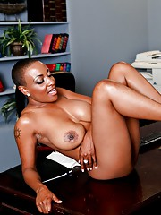 Young ebony pornstar Joey Brass gets to bend over Sincerre Lemmore