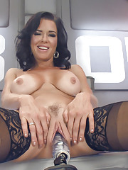Big-titted-squirting-anal-milf Veronica Avluv challenges Fucking Machines to a no-holds-barred