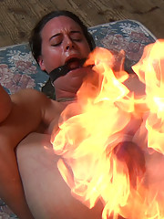 314 recently did some time at InfernalRestraints.com and it has whet her appetite