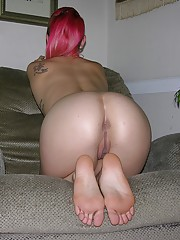 Amateur Teen Girlfriend Abby Modeling Nude And Spreading Ass