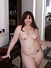 Chubby American housewife playing all alone