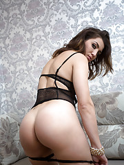 Big booty cougar strips off her lingerie to play with her creamy bald pussy