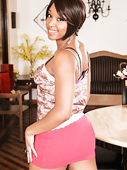 Flirtatious and sexy ebony babe Imani Rose makes a stripping video