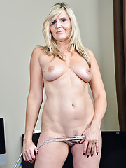 Blonde businesswoman Velvet Skye shows how she works it in the nude