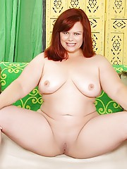 Full-figured slut takes off her clothing to reveal her thick body