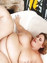 Sexy fat Erin Green takes a thick dick in her warm mouth and wet cunt