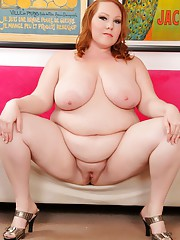 Fiery fat seductress Annabel Redd spreads her tangy twat for you