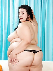 Huge n heavenly Mia Riley does a strip tease until you can see every nook n cranny