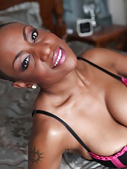 Gorgeous ebony doll Sincerre Lemmore teases with her big black boobs