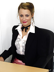 Estate agent Kelli Smith in pink miniskirt and black stockings becomes really hot