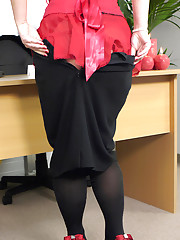 Your saucy new brunette secretary does her naughtiest best to get a pay rise .
