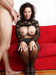 Mature wife with huge titties gets fucked