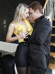 CFNM fucking action with a sexy blonde