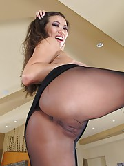 Pantyhose pussy galleries
