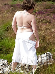 Stripping on The Moors