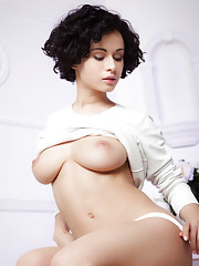 Pammie Lee strips her white top with matching white panty baring her curvy body with