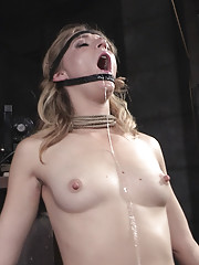 Mona Wales is trying her hand at the best of the best in Bondage and Rough Sex live