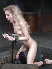 Sucking dick is hard enough when you arent cumming your brains out but Odette Delacroix