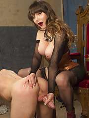 Legendary performer Danielle Foxx fucks her slave and gets fucked like a true Divine