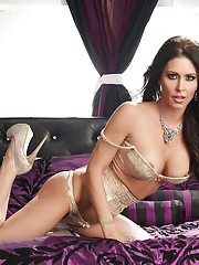 This week we have a our sexy angel. Her name is Jessica Jaymes and she knows how