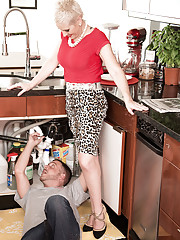 Kimber the plumber and her cuckold hubby